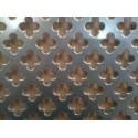 Lamiera forata in alluminio  dalle dimensioni 100x200cm, spessore 1mm, foro fiore dimensione 11mm, passo 16mm