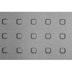 Lamiera bugnata quadra in alluminio  dalle dimensioni 100x200cm, spessore 2mm, bugna da 15mm, passo 40mm a 90°