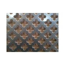 Lamiera forata in alluminio (lega 1050) dalle dimensioni 100x200cm, spessore 1,5mm, foro fiore 11mm, passo 16mm