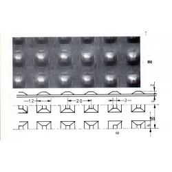 Lamiera bugnata quadra zincata ( sendzimir ) dalle dimensioni 100x200cm  spessore 1 mm bugna da 12mm passo 20 a 90 gradi